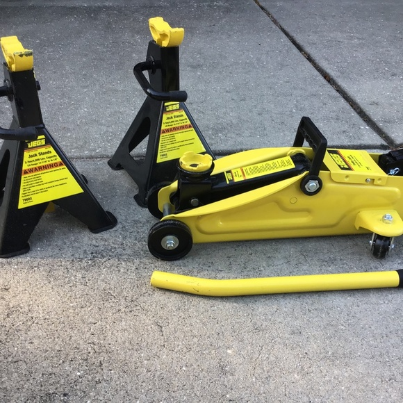 Car Jack And Two Jack Stands